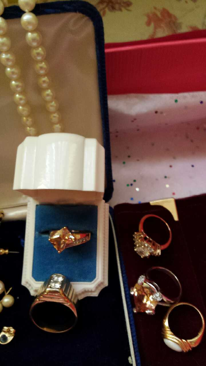 Real jewelry in arden letgo for Jewelry jobs las vegas