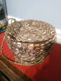 Antique vintage Cowrie shell basket with lid Baltimore, 21206