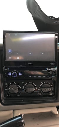 black Pioneer 2-DIN car stereo head unit Glenarden, 20706