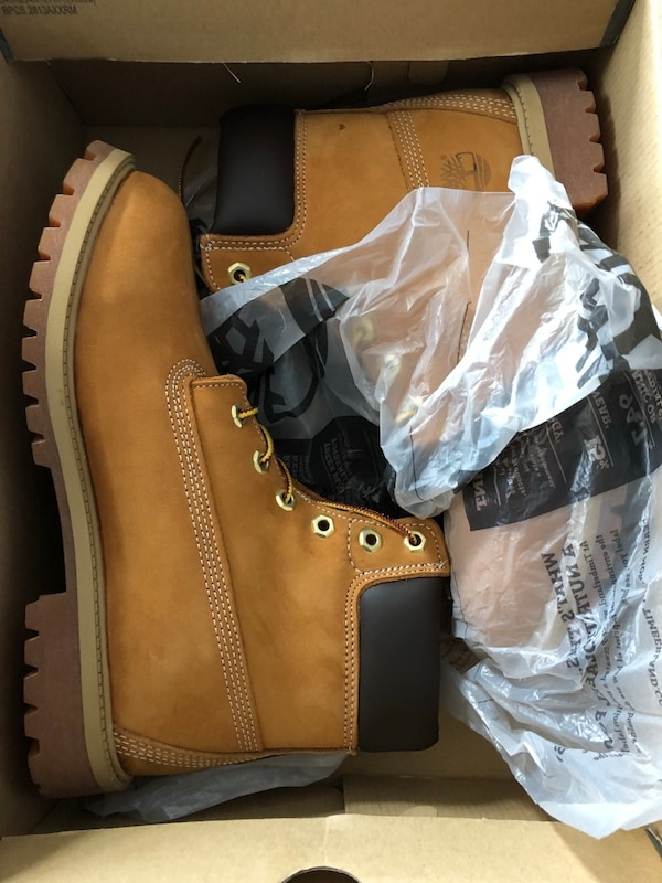 Brand new size 7 youth timberlands