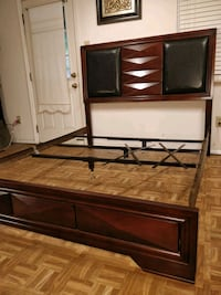 Nice wooden Queen bed frame in very good condition Annandale, 22003