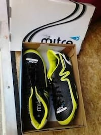 Mens soccer cleats.brand new.size 8.5