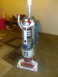 white and red shark upright vacuum cleaner Greenville, 45331