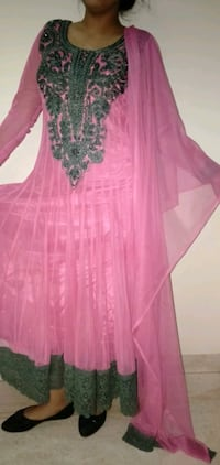 pink and green floral suit with dupatta nd legging New Delhi, 110086