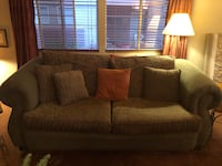 Couch and love seat combo, excellent condition! Vienna, 22180