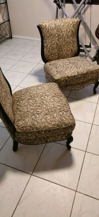Set of Accent Chairs  Santa Monica, 90404