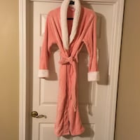 Robe - pink, long, thick, very soft & cozy Waycross, 31503