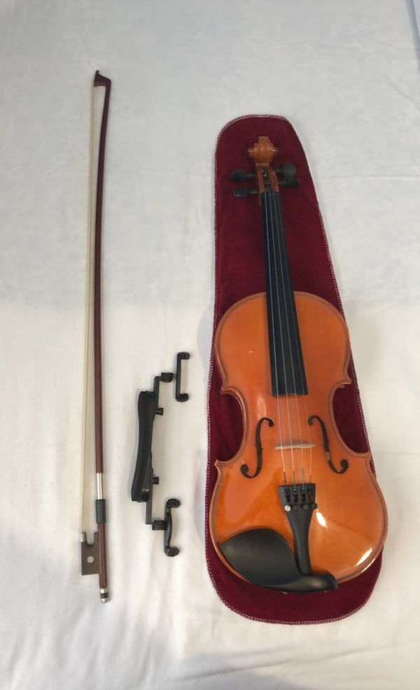 Violin - 3/4, comes with extra strings, bow, & shoulder rest 1