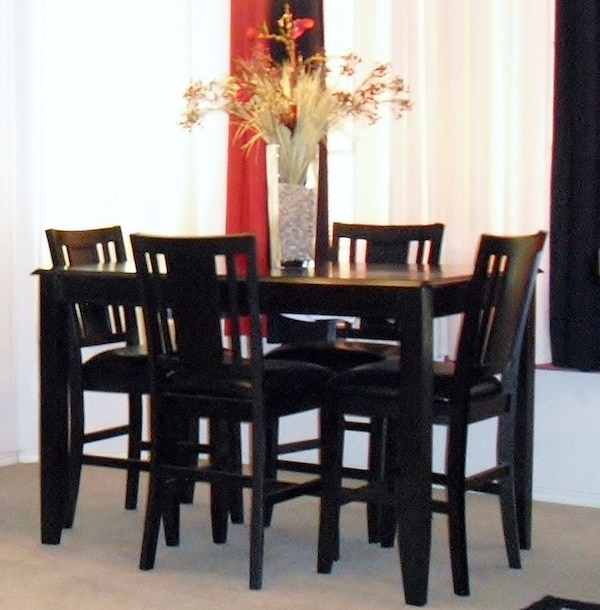 Used Carlyle Collection Dining Room Set By Ashley Furniture For Sale