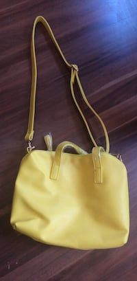 women's yellow leather shoulder bag East Orange, 07017