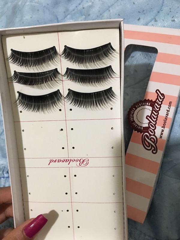 3 pairs of fake eyelashes 12170d3c-82de-4db8-ad1d-634a22120294