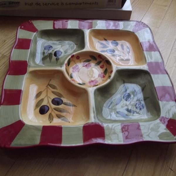 NEW IN BOX, PLATTER WITH 5-DIVIDED SECTIONS