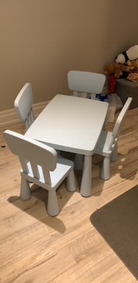 Baby blue kids table and chairs  Markham, L6B 1A8