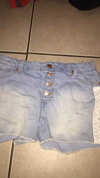 shorts (14/16) girls Bakersfield, 93306