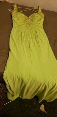 yellow scoop neck sleeveless dress Sterling Heights, 48311