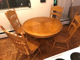 Extendable Dining Room Table Set