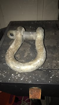receiver hitch shackle
