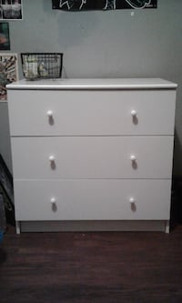 white wooden 3-drawer chest VANCOUVER