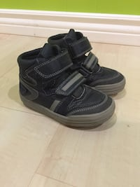 pair of black-and-gray hiking shoes Richmond Hill, L4E 3P6