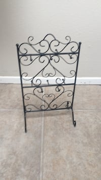 Jewelry display stand 18 in tall  Lakeway, 78734