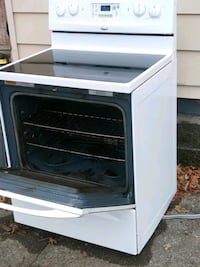 Electric. Whirlpool pool glass top stove