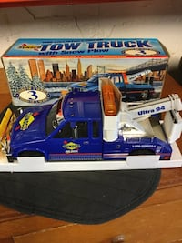 Blue sunoco tow truck with snow plow scale model in box New York, 11358