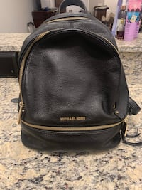 Authentic micheal kors back pack ... Like new Pikesville, 21208