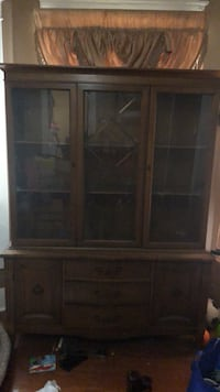 Brown wooden cabinet with 5 drawers Topeka, 66616