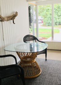 Rattan table with heavy glass top Rotonda West, 33947