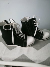 NEW wedge sneakers size 9 Laval, H7T