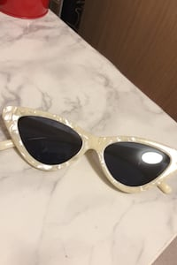 Marble design sunglasses(with bag) Richmond, V6Y 4H3