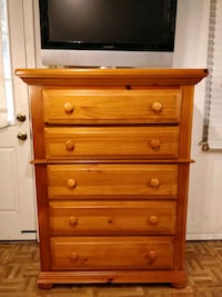 Solid wood big BASSETT chest dresser with big draw Annandale, 22003