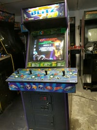 NFL Blitz 99 - Arcade Machine  Brooklyn, 11230