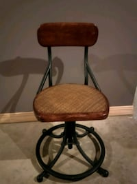 Cool industrial office chair.  Mount Vernon, 43050