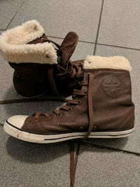 Brown leather chuck taylor  Surrey, V3T 0B8