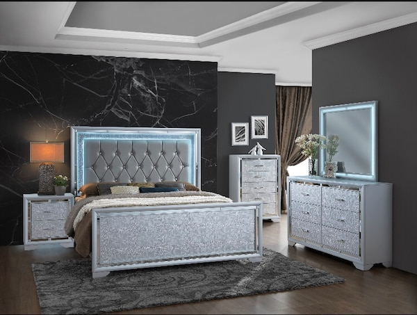 used new 5 pcs queen or full led bedroom set for sale in