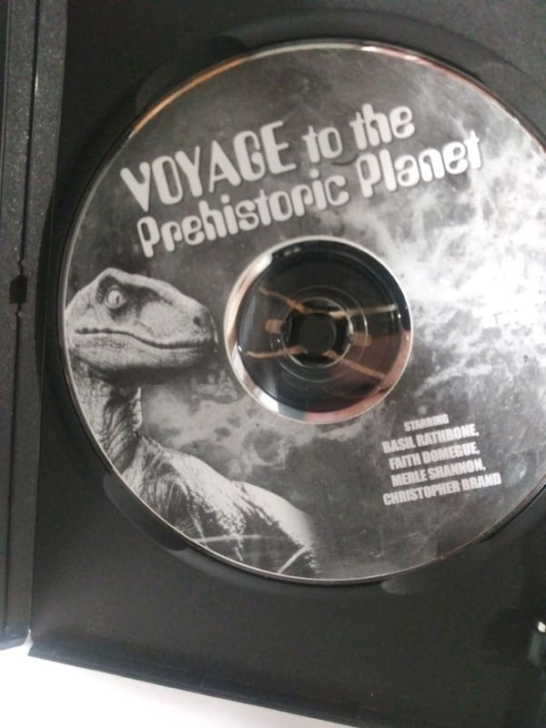 Voyage to the Prehistoric Planet dvd 54211f21-e635-4e5b-9c2a-7a410806674f