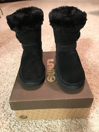 Suede Water Resistant Boots - New in Box Elk Grove, 95758