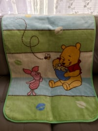 "Disney Baby blanket w/Winnie the Pooh, size 30"" by 45"" Reston, 20191"