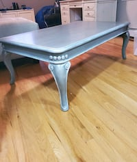 Beautiful Large Grey Coffee Table, Queen Ann Legs have Shimmery Detail Pine Bush, 12566