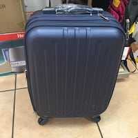 Hard shell luggage new $30.00 Bakersfield, 93306