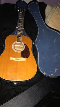 Meastro guitar and case Lyon, 48165