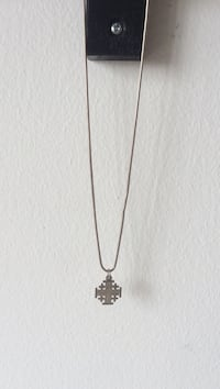 Jerusalem cross silver necklace  Montréal, H3T