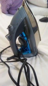 Shark professional steam Iron Edmonton, T6H 0G5