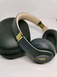 Special Edition Beats Studio 3 in Gold!  Mississauga, L5E 1Y9