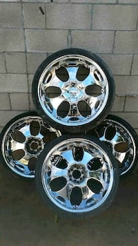 Four 22in Chrome Rims Tucson, 85719