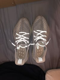 yeezy 350 static, from goat 100% real. barley worn West Des Moines, 50265