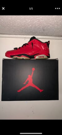 red-and-black Air Jordan 6 on box New Castle, 19720