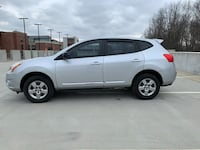 2013 Nissan Rogue S AWD drives well and clean!