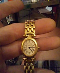 round gold-colored analog watch with link bracelet Oakville, 98568